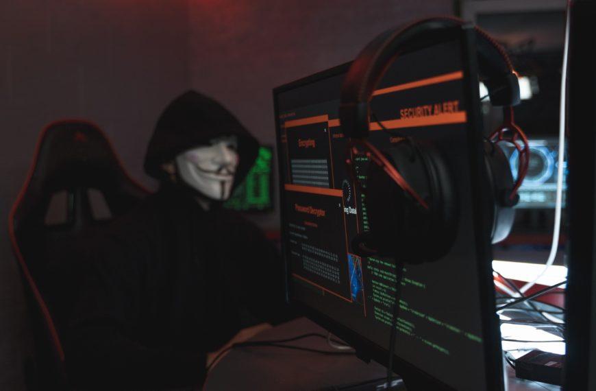 Sistema invadido por hackers, como o Sbackup pode me ajudar?